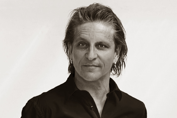 Fællessang med Henrik Volf d. 5. april 2022